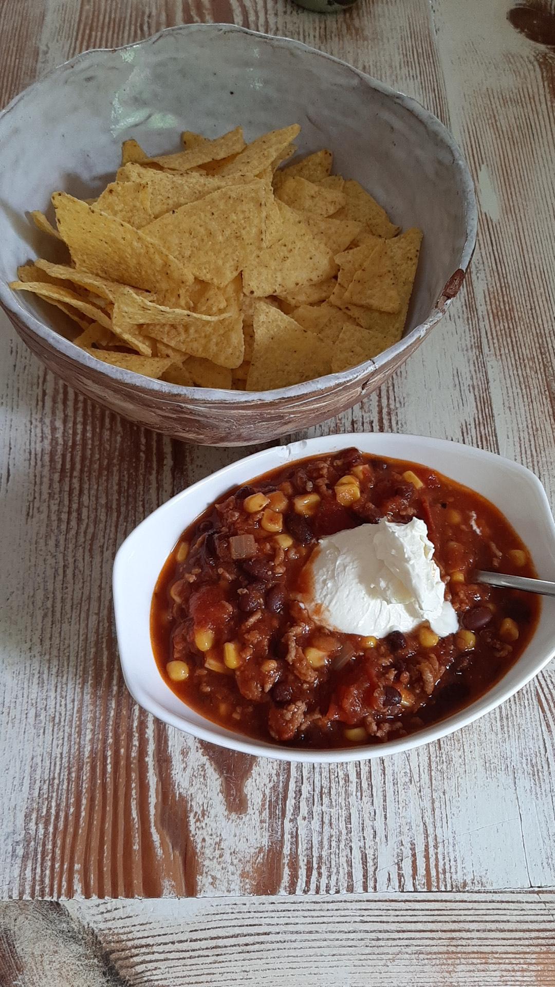 Chili con Carne mit Tortilla Chips